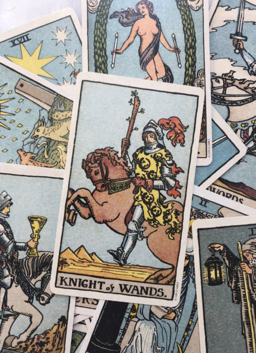 How a Tarot Reading Can Predict Love in Your Future ...